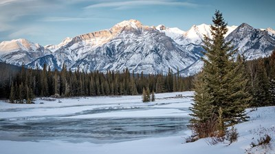 A Case for a Winter Vacation in the Canadian Rockies