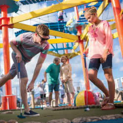 Mini-golf can be a shared experience for the family. // © 2014 Norwegian Cruise Line