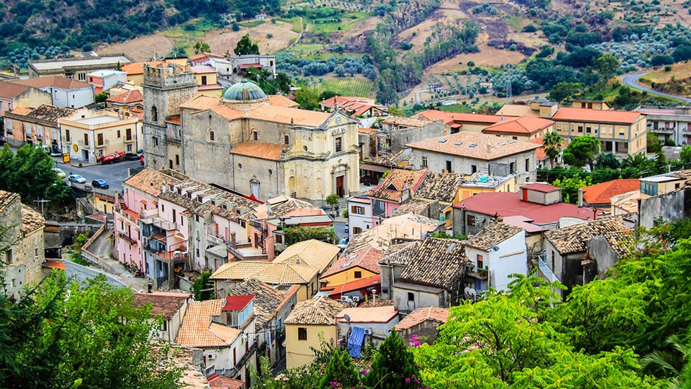 4 Italian Destinations for Travelers Looking to Avoid the Masses