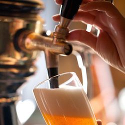 At various pubs throughout Catalonia, guests can sample beers made in microbreweries in L'Hospitalet de Llobregat. // © 2014 Thinkstock