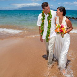 The beach is one of many romantic spots to get married on Maui. // © 2013 MVB/Ron Dahlquist