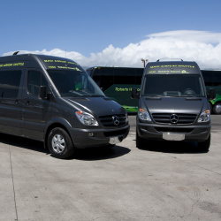 Roberts Hawaii's shuttle serves Kahului Airport passengers. // © 2013 Roberts Hawaii