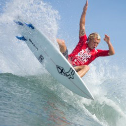 Surfer Tanner Hendrickson catches a wave at the 2013 Surf Open Acapulco event. // © 2014 Surf Open Acapulco