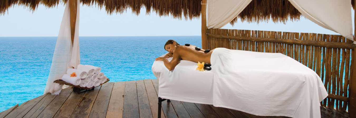 Cancun All Inclusives Target Luxury Travelers