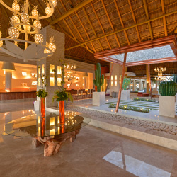 The lobby features the work of regional artists and artisans. // © 2014 Iberostar
