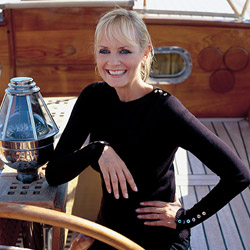 Lesley Lawson, also known as Twiggy, has been named the godmother of both Emerald Sky and Emerald Star. // © 2014 Emerald Waterways