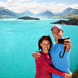 Pacific Delight Tours is now offering tours to New Zealand's top sights, including Lake Wakatipu in Queenstown. // (c) Tourism New Zealand