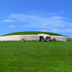 Neolithic tombs at Newgrange // © 2013 flickr: Dave Keeshan