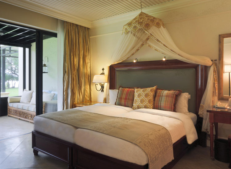 A corner room at The Royal Livingstone // (c) The Royal Livingstone