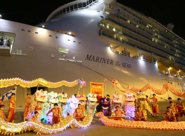 Hong Kong Tourism Board organized lion and dragon dances as well as other celebrations to commemorate the arrival of Mariner of the Seas. // © 2013 Hong Kong Tourism Board