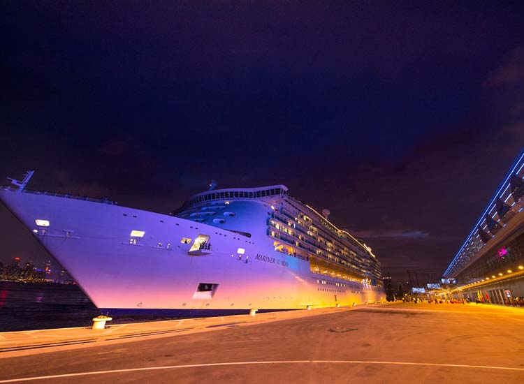 Royal Caribbean International's Mariner of the Seas overnighting at Kai Tak Cruise Terminal // © 2013 Hong Kong Tourism Board