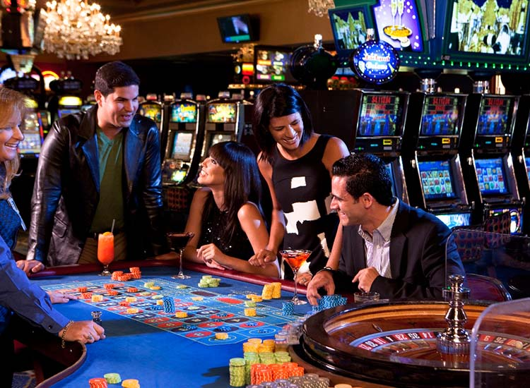 The on-site Stellaris Casino features table games, video poker and a late-night Chinese restaurant, Wan Chai Noodle Bar. // © 2014 San Juan Marriott Resort & Stellaris Casino