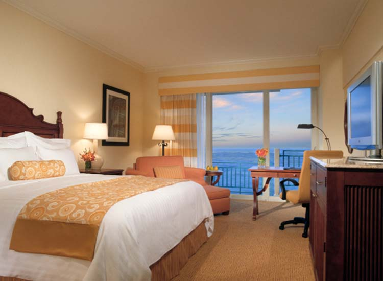 All 525 guestrooms were upgraded as part of an $8 million refresh. // © 2014 San Juan Marriott Resort & Stellaris Casino
