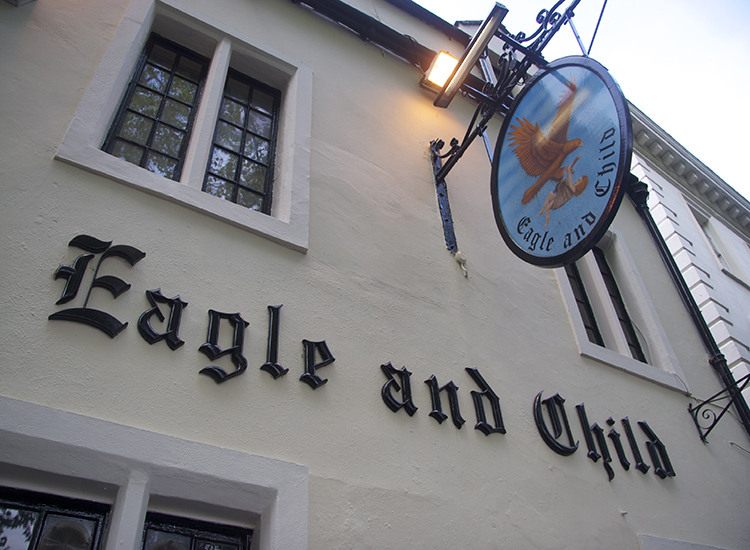 Get inspired at The Eagle and Child — C.S Lewis and J.R.R. Tolkien's favorite haunt. // © 2014 Creative Commons user ryanfb