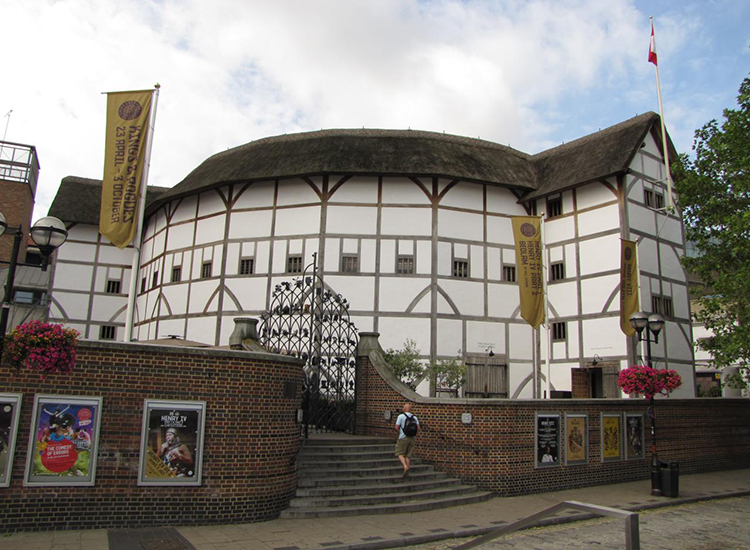 Be transported to the 1600s through the reconstruction of Shakespeare's famous Elizabethan playhouse, The Globe. // © 2014 Creative Commons user norimaki