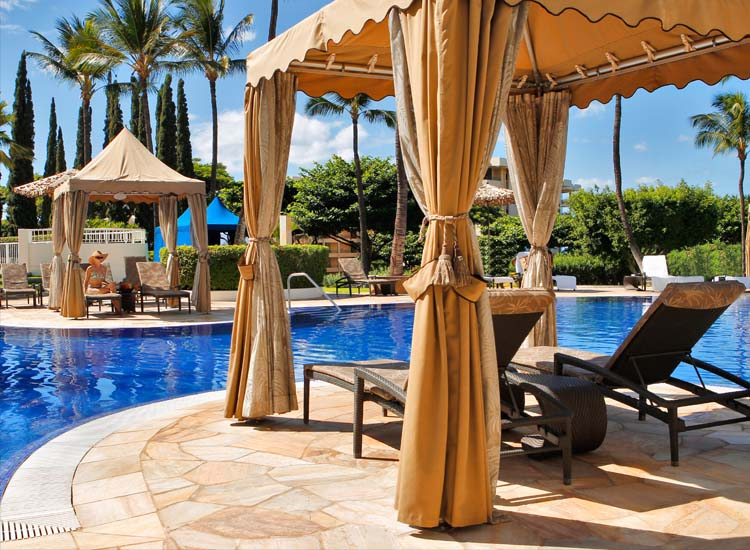 Fairmont Kea Lani's adults' pool offers two cabanas — book in advance. // © 2014  Fairmont Kea Lani