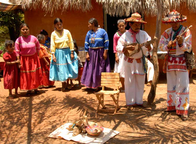 Experience Huichol Indian culture with the group Peyote People.// © 2014 Thinkstock