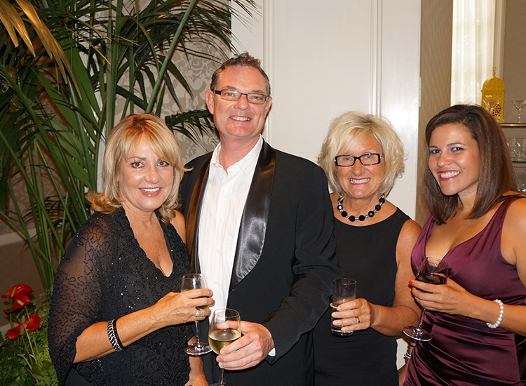 L-R: Vicky Tomasino/Carnival Cruise Lines, Paul Wiseman/Trafalgar, Elayne Raksyns/Insight Vacations & Jennifer Buenrostro/Carnival Cruise Lines