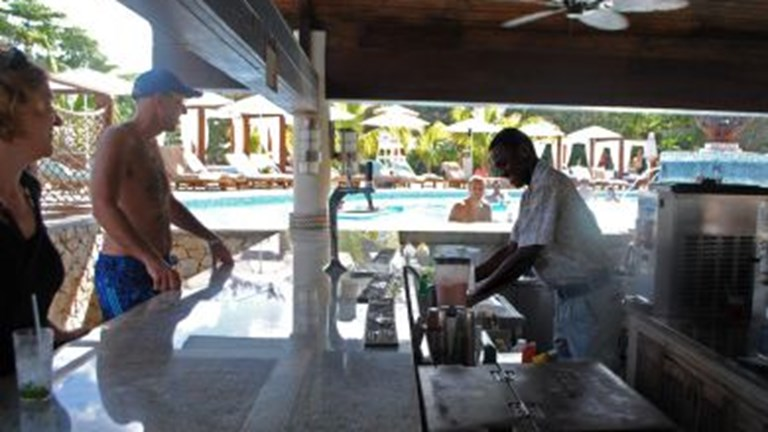 Ochi Beach Club Swim-up Bar